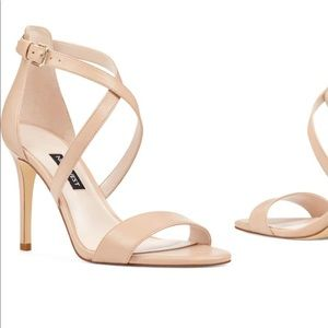 NWT nude colored Nine West heels, size 10M